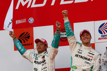 GT500 podium: second place #36 Petronas Tom's SC430: Juichi Wakisaka, Andre Lotterer