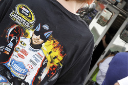 A fan wears a Jimmie Johnson t-shirt in the garage area