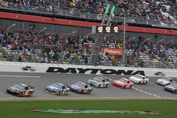 Brad Keselowski, Penske Racing Dodge leads Kurt Busch, Penske Racing Dodge