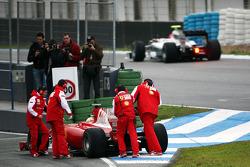 Felipe Massa, Scuderia Ferrari, F10 stops at the pit entrance