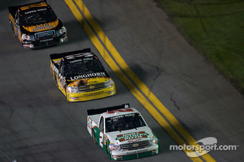 Elliott Sadler leads Ron Hornaday
