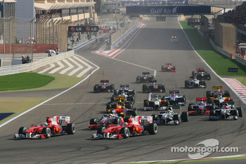 Start of the race, Fernando Alonso, Scuderia Ferrari and Felipe Massa, Scuderia Ferrari