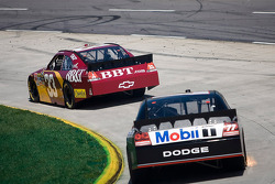 Clint Bowyer, Richard Childress Racing Chevrolet, Sam Hornish Jr., Penske Racing Dodge