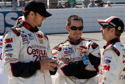 Greg Biffle, Roush Fenway Racing Ford talks with his crew members