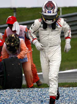 Timo Glock, Virgin Racing, spins off