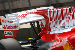 Fernando Alonso, Scuderia Ferrari tries out the F-Duct rear wing system