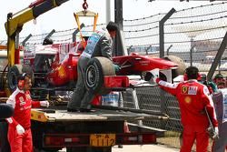 Fernando Alonso, Scuderia Ferrari stopped on the circuit