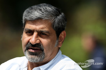 Vicky Chandhok, father of Karun Chandhok, Hispania Racing F1 Team