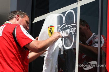 Ferrari put an 800th Grand Prix sticker on their window