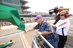 Jack Nicholson waves the green flag