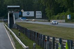 #10 SunTrust Racing Ford Dallara: Max Angelelli, Ricky Taylor takes the checker flag.