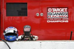 Helm und HANS von Scott Dixon, Chip Ganassi Racing Chevrolet