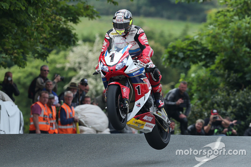 Isle of Man TT: Michael Dunlop
