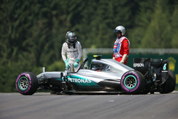 Nico Rosberg, Mercedes AMG F1 W07 Hybrid nach dem Crash