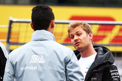 (L to R): Pascal Wehrlein, Manor Racing and Nico Rosberg, Mercedes AMG F1 on the drivers parade