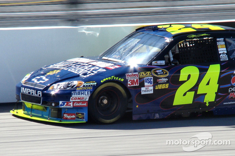 Jeff Gordon - Dupont Chevy