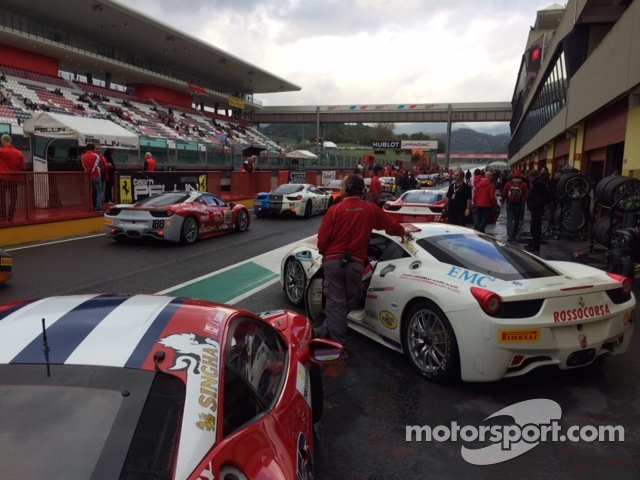 Pre practice grid lineup for James Weiland & the other Coppa Shell competitiors
