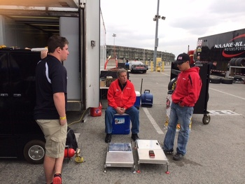 Anthony gets some advice from his dad, Michael Giannone & Crew Chief, Mike Munoz
