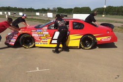 The JSR crew moves the #5 into position