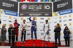 Race 1 - Podium: Zoel Amberg, Sergey Sirotkin, and Pietro Fantin