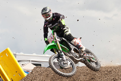 16.	Kawasaki rider Brett Mettcalfe fights for 2nd after starting in lane 35