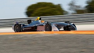 Ho-Pin Tung tests Formula E car