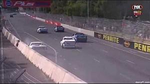 V8 Utes 2015 Adelaide McLeod, Wilson crash