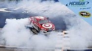 Larson lights 'em up in Michigan