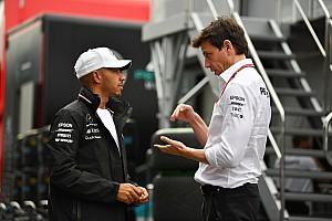 Хэмилтон рассказал о переживаниях Вольфа перед завоеванием Кубка конструкторов