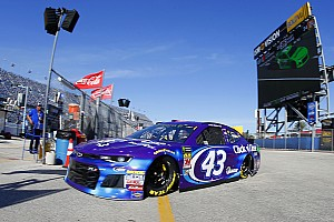 NASCAR Sprint Cup Crónica de entrenamientos Darrell Wallace Jr. lidera la práctica final; Suárez fue segundo