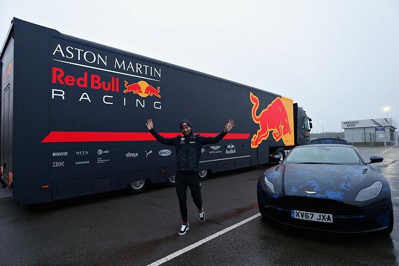 Az Aston Martin a Honda érkezése ellenére névadó szponzor marad a Red Bullnál