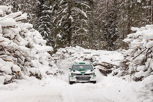 """رالي """"أركتيك"""" فنلندا الدولي: منافسات حامية في درجة حرارة 30 تحت الصفر"""
