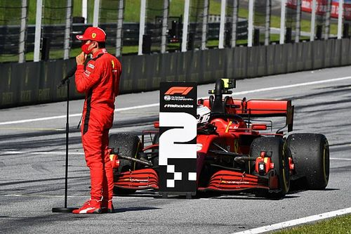 Ferrari no puede estar luchando con McLaren o Racing Point, dice Binotto