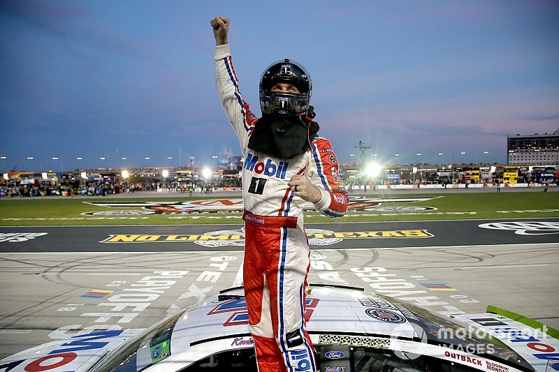 NASCAR Roundtable: Can Kevin Harvick recover from penalty?