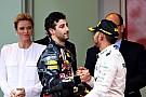 Хэмилтон посоветовал Риккардо не портить отношения с Red Bull