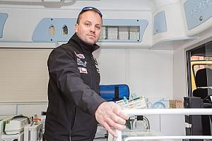 Egyéb motorverseny BRÉKING Talmácsi Gábor a koraszülött-mentés támogatója