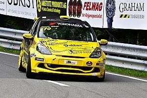 Coupes marques suisse Résumé de course Renault Classic Cup : le calcul tombe juste pour Krebs et Wolf