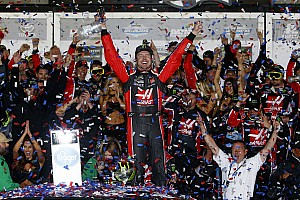 NASCAR Cup Breaking news Kurt Busch agrees to one-year deal with Stewart-Haas Racing