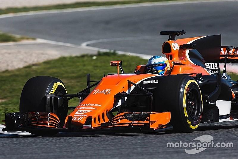 Fotogallery: il filming day della McLaren MCL32 con Alonso