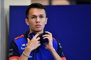 Элбон выбрал себе номер для первого сезона в Ф1