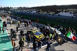 Lamborghini Super Trofeo Спеціальна можливість Галерея: найкращі світлини суботи Lamborghini Super Trofeo