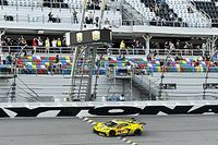 Antonio García celebró las 24 Horas de Daytona en un parking
