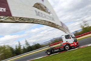 Kamion Eb BRÉKING 24-es rajtszámmal megkezdi Kiss Norbi a 2017-es kamionos szezont