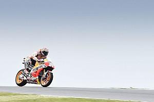 MotoGP Репортаж з практики Гран Прі Австралії: Маркес виграв дощову розминку