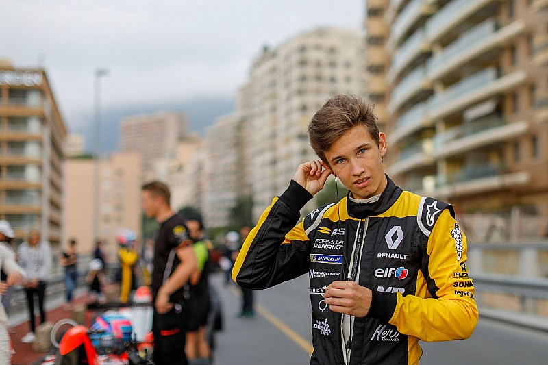 Renault junior Lundgaard replaces Palmer at MP