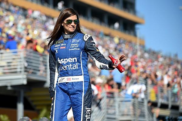 NASCAR Sprint Cup Danica Patrick termina su estancia con  Stewart-Haas Racing con un accidente