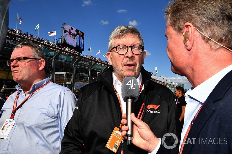 Brawn: F1 deve se esforçar para voltar a ter ultrapassagens