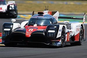 Le Mans Crónica de Carrera Los Toyota se intercambian el liderato en Le Mans