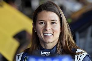 NASCAR Cup Últimas notícias Danica lamenta falta de interesse de times por sua despedida
