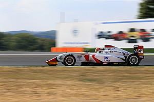 Formula 4 Crónica de Carrera Victoria de Raúl Guzmán en Vallelunga